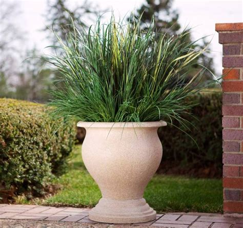 tips for using large outdoor planters front yard