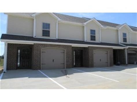 4 Bedroom Apartments In Tn by Stowe Court Townhomes Apartment In Clarksville Tn