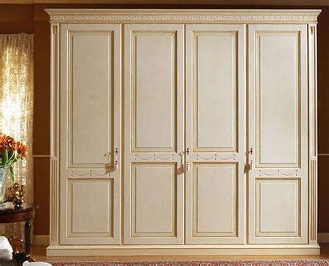 immagini armadi armadio lussuoso laccato con 4 ante in legno tamburato