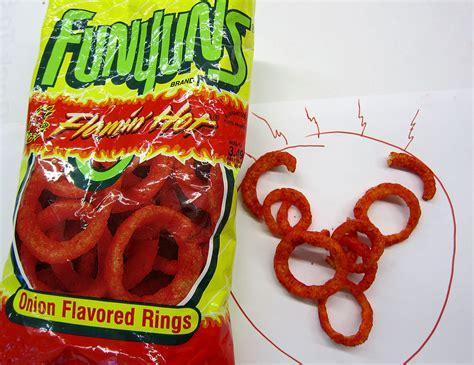 flamin hot funyuns funyuns 174 flamin hot onion flavored rings tasty island