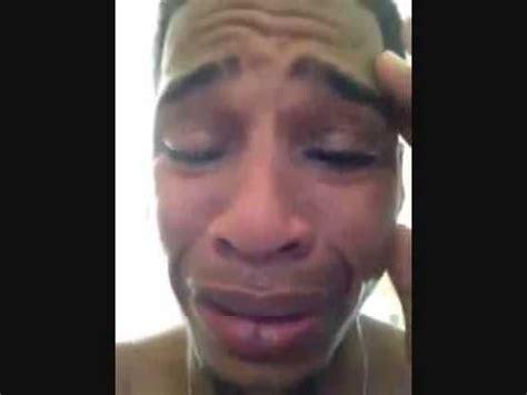 imagenes llorando facebook hombre llorando por su mujer en facebook con bachata lol