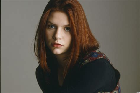 claire danes young photos claire danes goes from angsty 90s actress to stylish