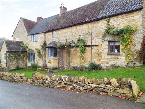 forge cottage in moreton in marsh a stone built cottage