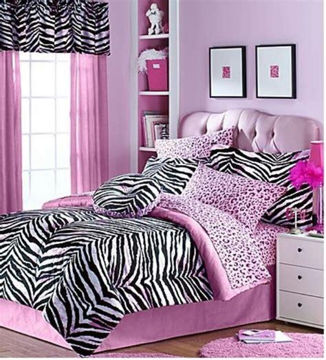 red and zebra print bedroom ideas 18 dormitorios decorados con estados de cebra