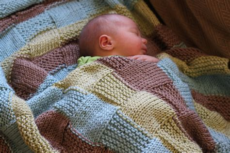 how to knit a baby blanket easy pattern knitted blanket vintagemamasew