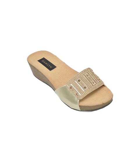 comfort wear hamlyn shoes comfort wear women slip on price in india