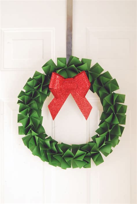 How To Make A Wreath Out Of Paper - diy paper wreath