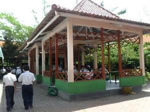 desain gerobak warung kopi desain warung kopi bambu desain rumah warung makan lesehan