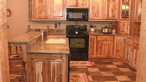 knotty oak kitchen cabinets knotty hickory kitchen cabinets oak knotty alder rustic cherry rustic hickory maple clear