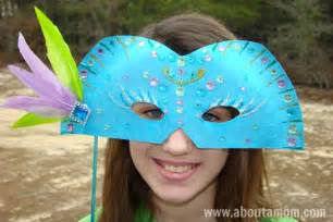 Crafts For Kids To Make For Mom - mardi gras mask paper plate craft