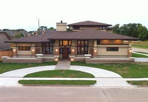 awesome frank lloyd wright inspired homes 23 pictures house plans ranch homes tips zone