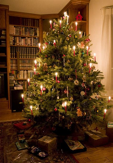holiday decorating ideas with christmas tree candles