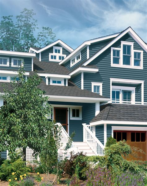 blue siding house colonial blue siding for the home pinterest