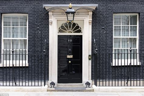 casa primo ministro inglese open house allows guest a peek inside 10 downing
