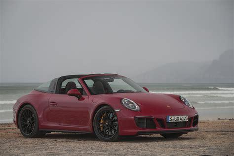 Porsche Targa Neues Modell by Porsche 911 Targa 4 Gts Karminrot Die Neuen 911 Gts Modelle