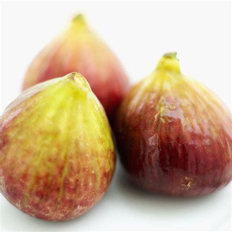 comment cuisiner les figues la saison des figues arrive comment les pr 233 parer