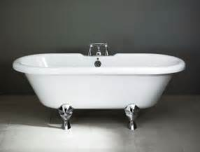 A Bathtub how you can keep your bathroom tub clean with less hassle bath decors