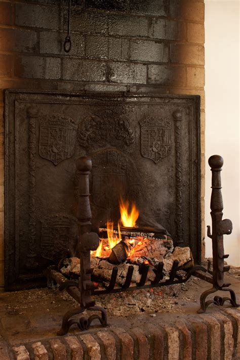 Improving Fireplace Efficiency by 10 Fireplace Do S Don Ts House House