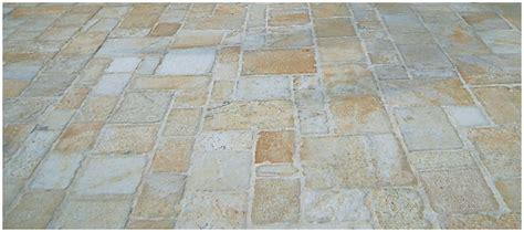 caratteristiche piastrelle pietra alba gialla pietra albanese piastrelle
