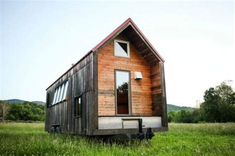 Small Mobile Homes Small Mobile Home Created With Salvaged Wood