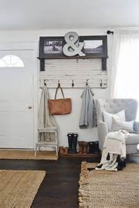Small Apartment Entryway Ideas by 25 Best Ideas About Shoe Organizer Entryway On