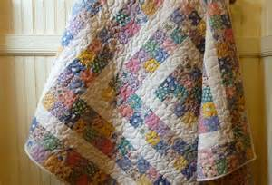 busy bee no 16 baby quilt with 30 s reproduction fabrics