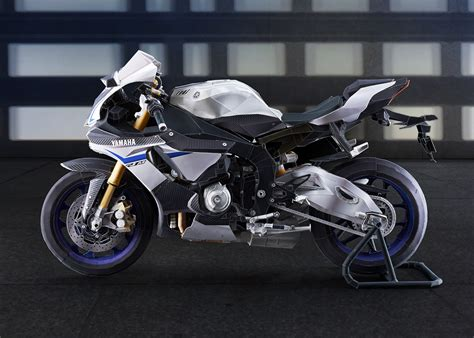 build your own yamaha yzf r1m out of paper motorcycle