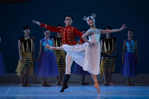 chinese ballet company to bring the nutcracker to qatar
