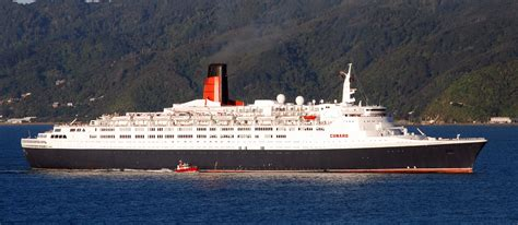 queen elizabeth ii ship file queen elizabeth 2 ship 1969 001 jpg wikimedia