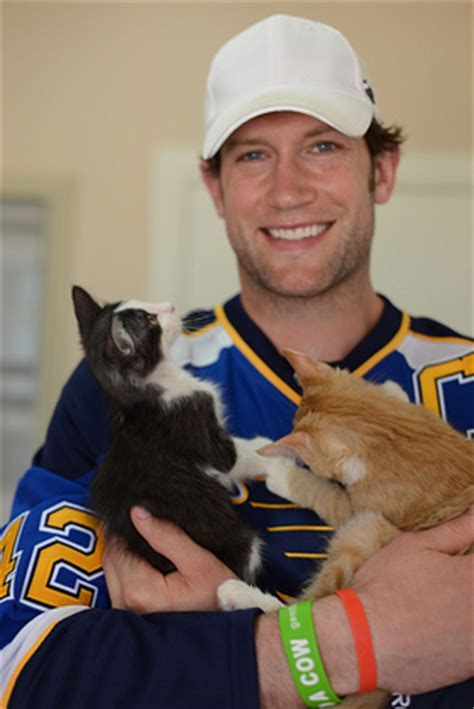 NHL Star Visits No Kill Animal Sanctuary   Look to the Stars