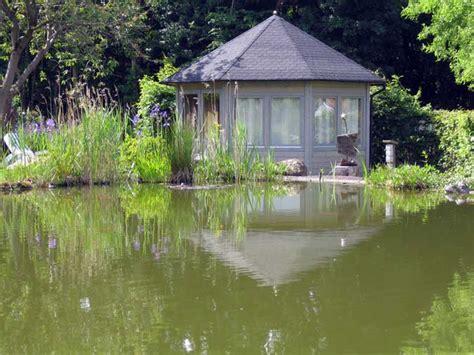 Pavillon Teich by Moderne Gartenpavillons