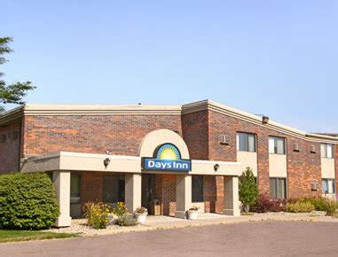 days sioux falls days inn sioux falls airport in sioux falls sd 57104 citysearch