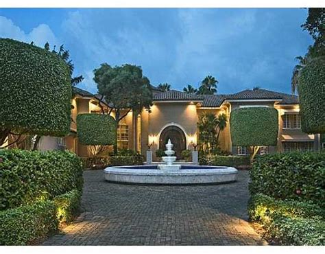 shaqs star island house interior celebrity home shaquille o neals star island house digsdigs