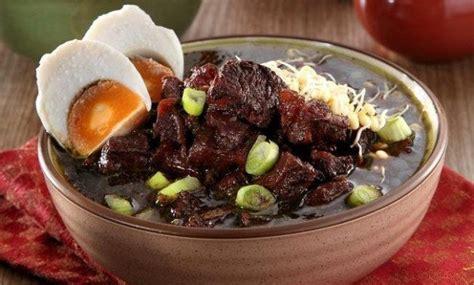 makanan khas jawa timur masakan rawon pecel soto