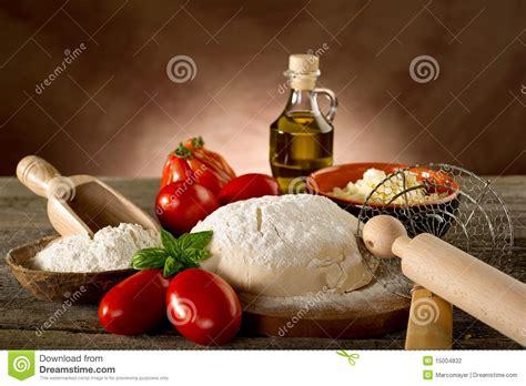 5 ingredientes 5 ingredients 8416895392 ingredientes para a pizza caseiro foto de stock de padaria italy 15004832