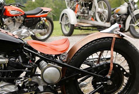 Fender Spakbor Belakang Ducktail Chopper Bobber ribbed chopper fenders and sissy bar style fender struts