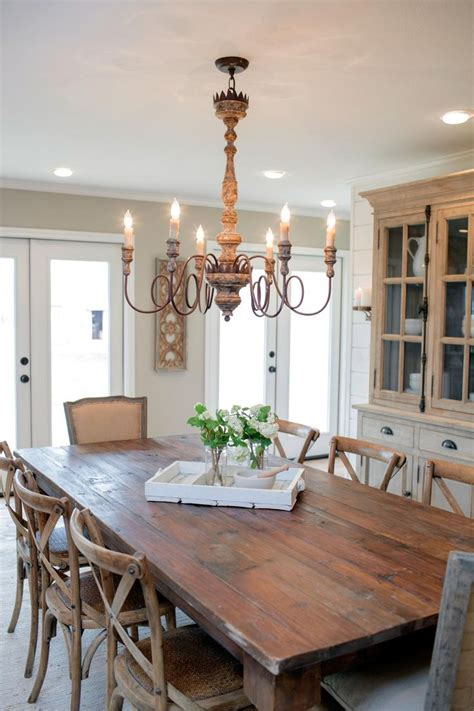 699 best fixer upper images on pinterest dining room 25 best ideas about rustic chandelier on pinterest