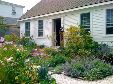 Lavender Garden Cottage by 17 Lavender Garden Designs Ideas Design Trends