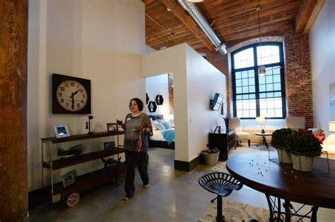 The Loft Apartments Gastonia Nc Sally Hegler Of Gastonia Tours A Two Bedroom Loft