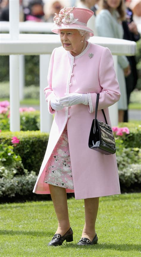 A Day In The Of Me A Royal Visit by Ascot 2016 Elizabeth Ii And Kate Middleton Lead The