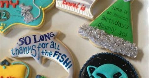 Panci Rosh Royal hitchhiker s guide to the galaxy cookies geekish
