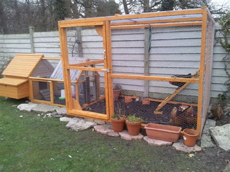 Keeping Chickens   Where to site your Chicken Coop in the
