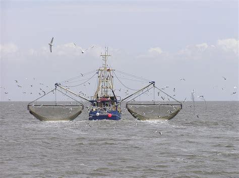 Fishing vessel - Wikipedia