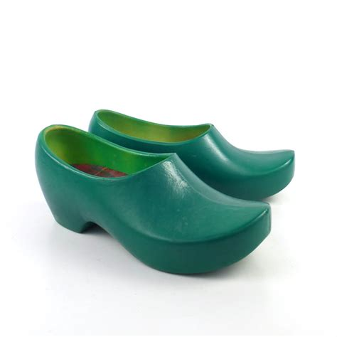 plastic clogs for plastic green clogs shoes vintage 1980s jollys size 7