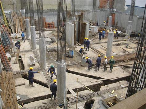 pisos en construccion edificio de oficinas y sala de venta de veh 237 culos ideas