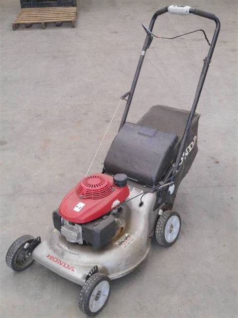 honda quadra cut   propelled mower  bagger le rental equipment liquidation   bid