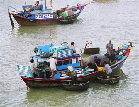 japanese fishing boat plans tourist travel guide to vietnamese wooden boats
