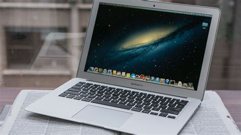 Pasaran Macbook Air 13 Inch apple macbook air 13 inch june 2013 review a familiar macbook air with an all day battery