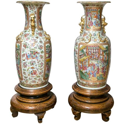 Big Floor Vases For Sale by Pair Of Large 19th Century Cantonese Floor Vases