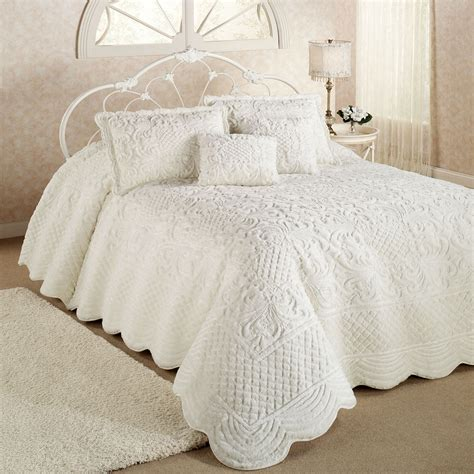 Quilted Bedspreads Whisper Candlelight Soft Oversized Quilted Bedspread